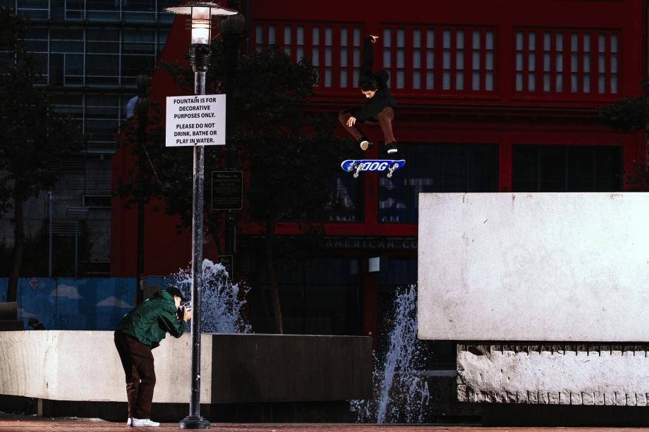 aaronhardflip_fountain2